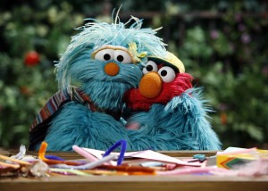 elmo_loves_you_screen_rosita_gives_elmo_big_hug