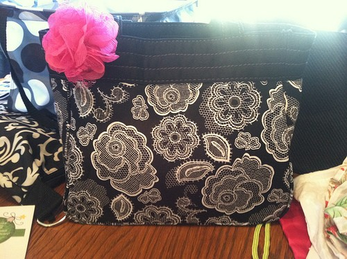 {now closed}Thirty-One: Large Utility Tote Giveaway + Online Party