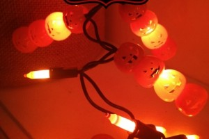Dollar Store DIY: Pumpkin Lights