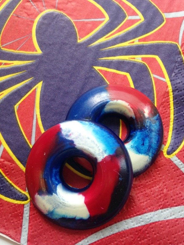 DIY Spiderman Party Crayons