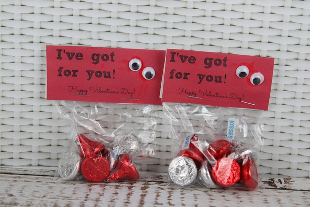 Eyes for you  20 Handmade Valentines Day Card Ideas