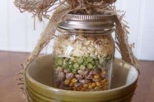 {Gifts in a Jar} Fall Friendship Soup Mix