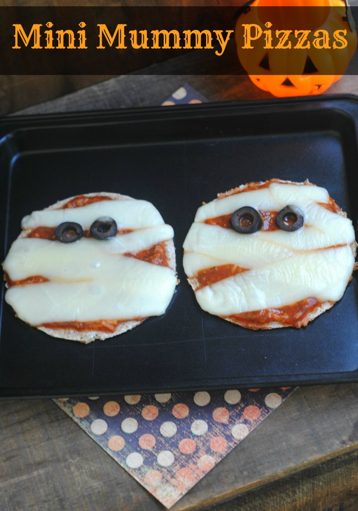 Halloween Recipes - Mini Mummy Pizzas