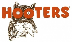 Hooters Logo 300x176 Hooters: 10 Free Wings on Your Birthday