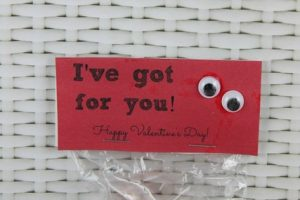 """I've Got Eyes For You"" Valentine's Day Card Idea"