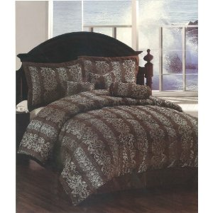 Amazon: Jacquard 7-piece Comforter Set Queen Size $39.49 (Shipped)