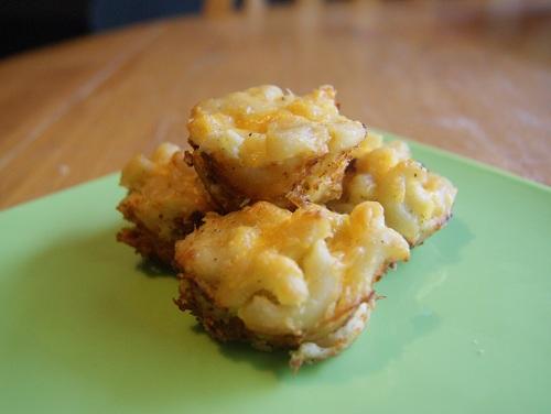 Mini Macaroni Cheese Bites
