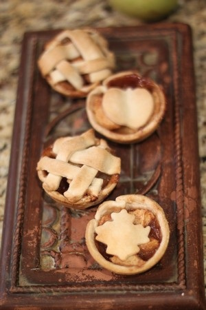 Mini apple pies for the holidays