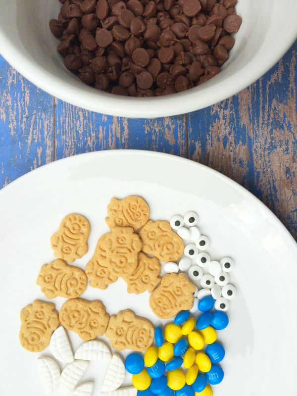 Minions Candy Bark Ingredients