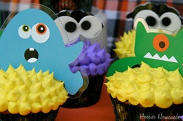 Monster Cupcakes.close  Inexpensive Halloween Food and Treat Ideas