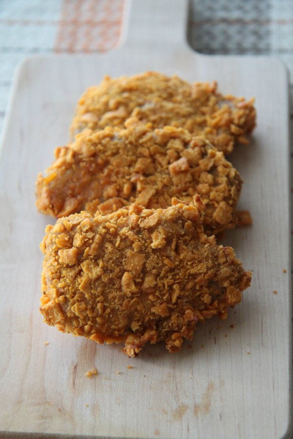 Recipe for Crushed Cheese Cracker Pork Tenderloin