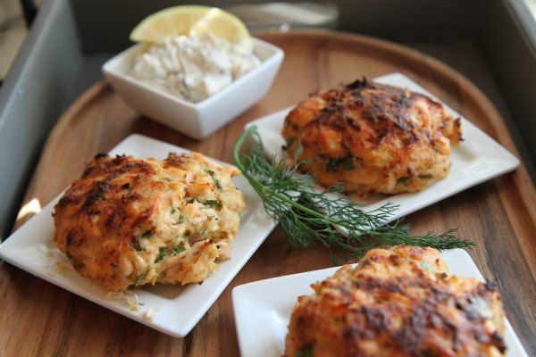 Salmon Cakes with Lemon-Herb Sauce