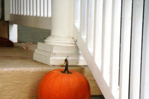 How to Save Money on Fall Décor