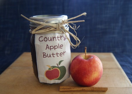 Slow Cooker Apple Butter Gift in a Jar