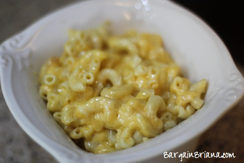Slow Cooker Creamy Velveeta Macaroni and Cheese