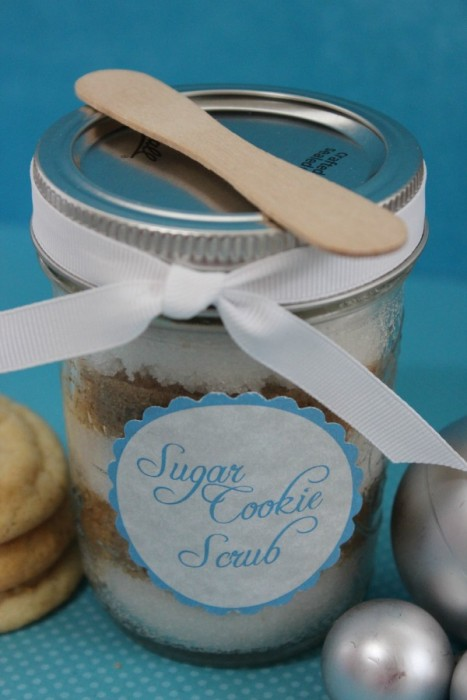 {Gifts in a Jar} Sugar Cookie Scrub