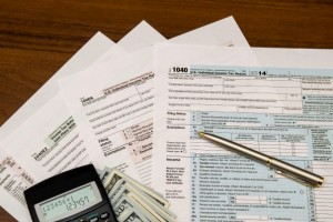 Organizing Your Tax and IRS Information | {52 Weeks to a More Organized Home/Life}