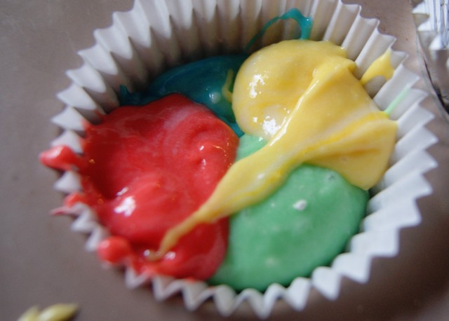 alternate colors in the cupcake wrapper