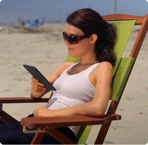 kindle beach 300x294 Amazon.com: Kindle Wireless Reading Device $114