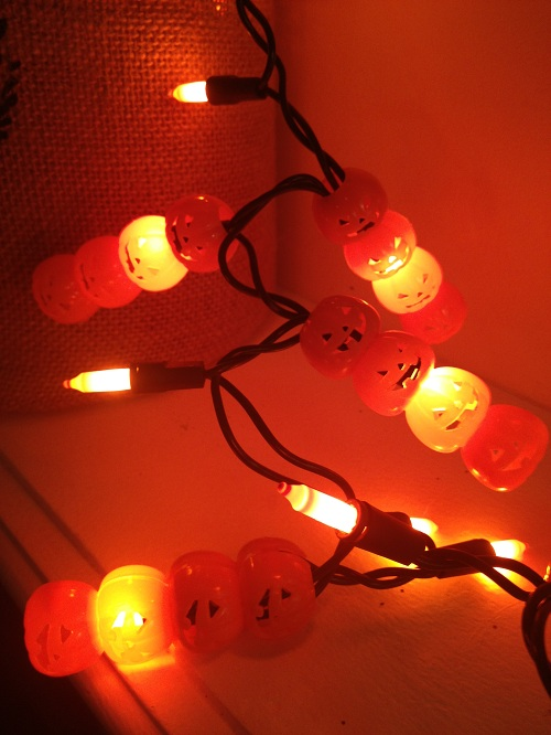 pumpkin lights diy Dollar Store DIY: Pumpkin Lights